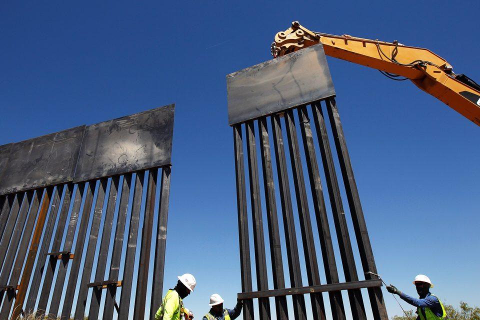Biden continuará el muro de Trump tras ser superado por crisis migratoria