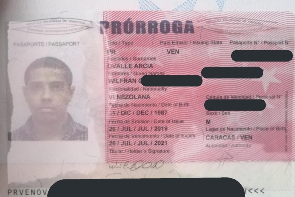 En Venezuela el pasaporte ya no será prorrogable - primer informe