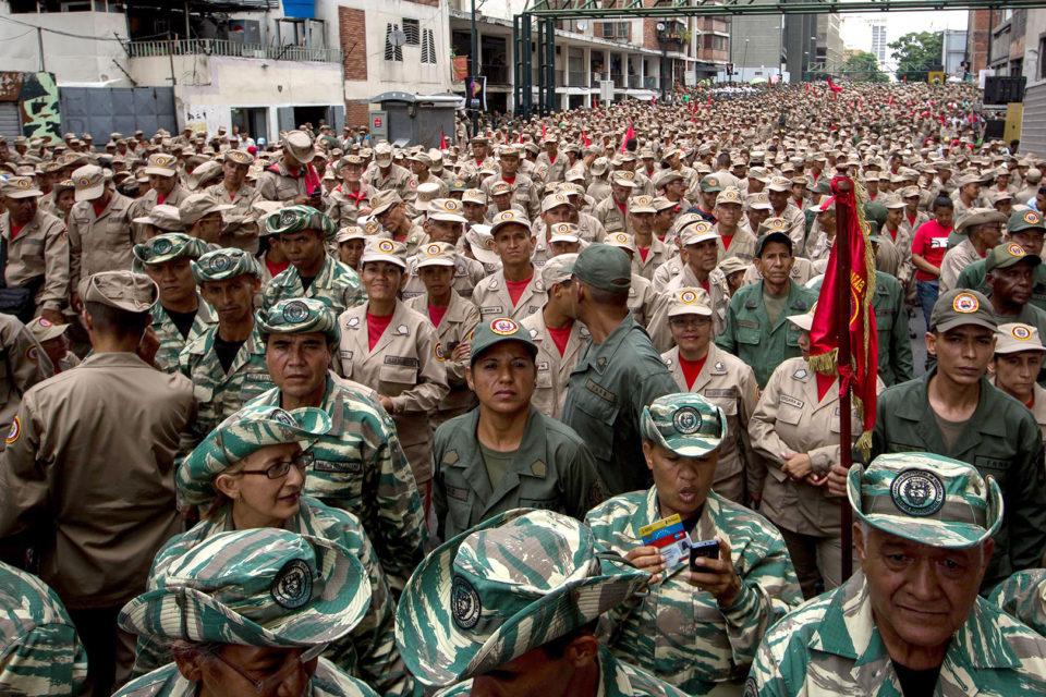 maduro-envia-a-voluntarios-armados-a-apure-ante-negativa-del-faes-de-ir-a-la-zona - primer informe