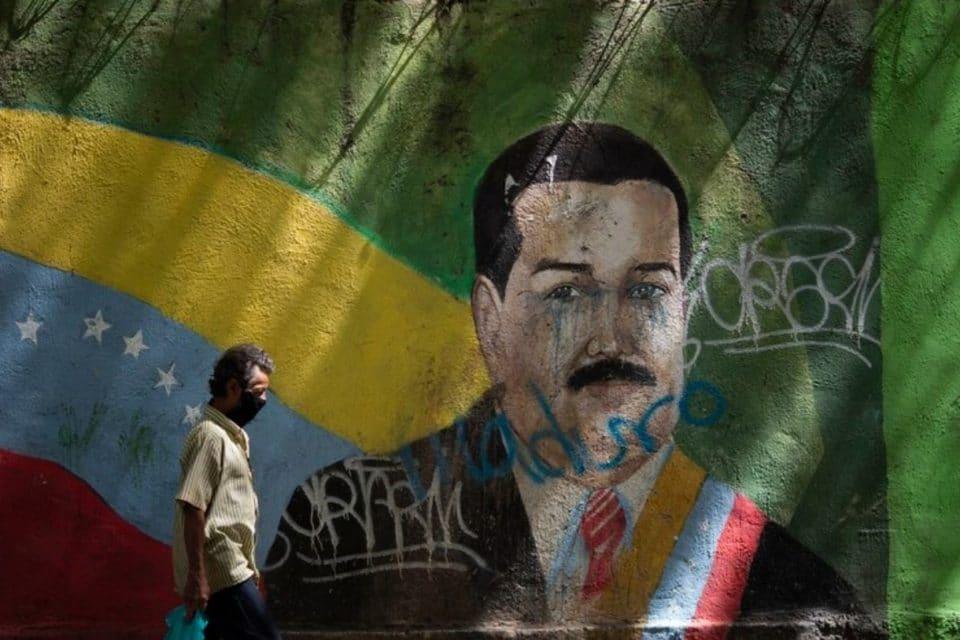 Maduro está negado a discutir cualquier posibilidad que lo saque del poder - primer informe