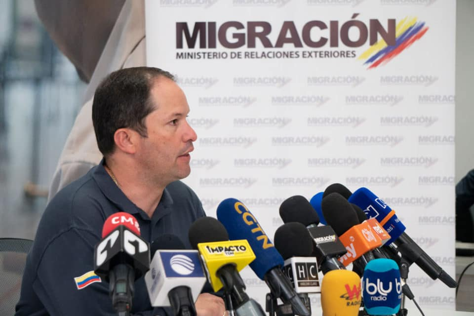 la-nueva-medida-colombiana-que-alivia-la-situacion-con-los-pasaportes-de-los-venezolanos - primer informe