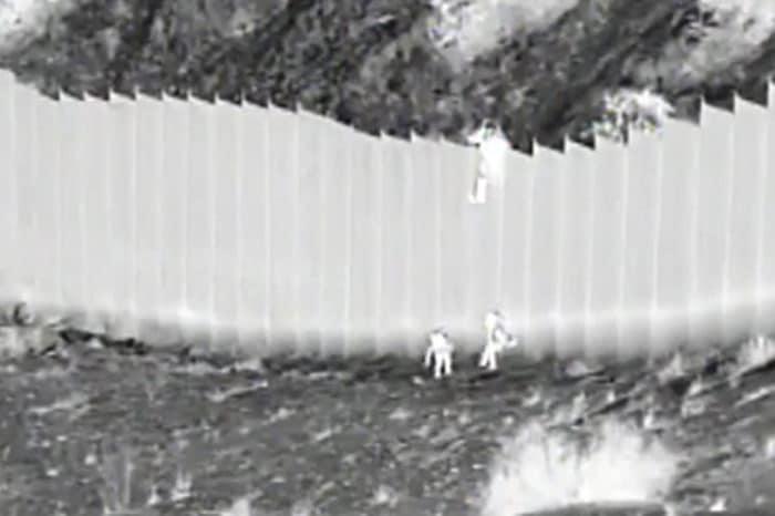 #VIDEO La impresionante forma como una migrante venezolana cruzó el muro fronterizo hacia EEUU
