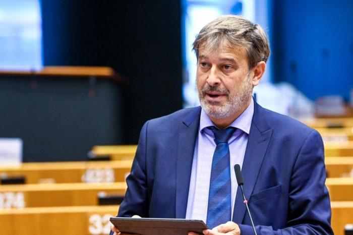Denuncian infiltración del régimen cubano en la representación del PSOE al Europarlamento