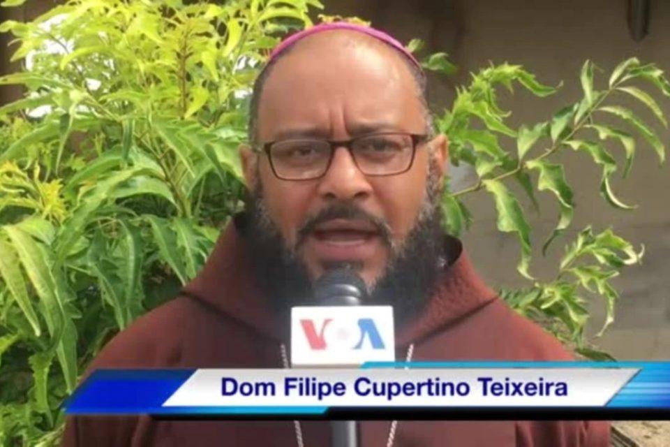 #FreeAlexSaab Un obispo impostor se suma a la campaña pro libertad del testaferro