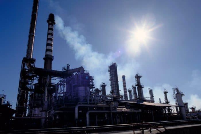 Irán no venderá más combustible a PDVSA que sólo produce el 40% del mercado interno