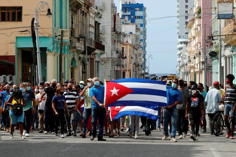 Las protestas en Cuba también tienen que ver con el colapso de PDVSA