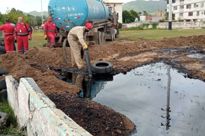 Último derrame de petróleo de  PDVSA ocurrió en el medio de una ciudad venezolana