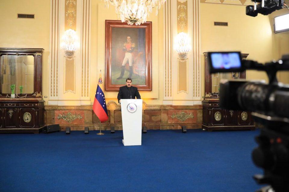 Nicolás Maduro quiere decidir con quíén dialogará en México