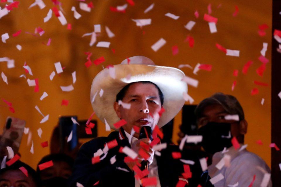 Proclamación de Pedro Castillo en Perú genera euforia en el chavismo