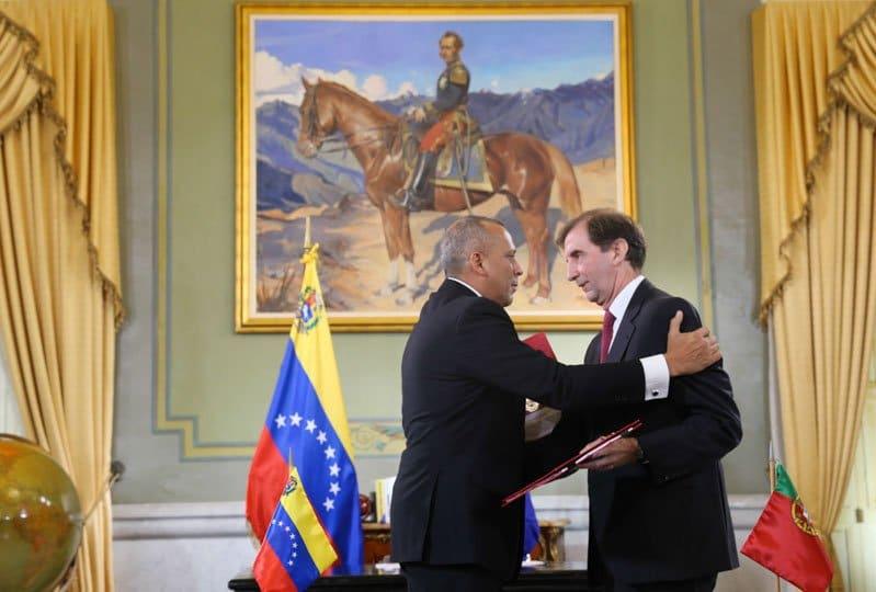 denuncian-irregularidades-de-firma-portuguesa-teixeira-duarte-en-contratos-con-bolipuertos