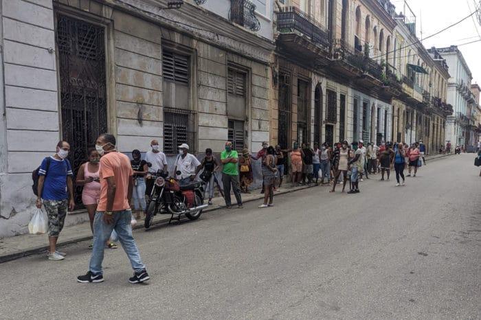 Régimen castrista flexibiliza medidas económicas para aplacar las protestas en Cuba
